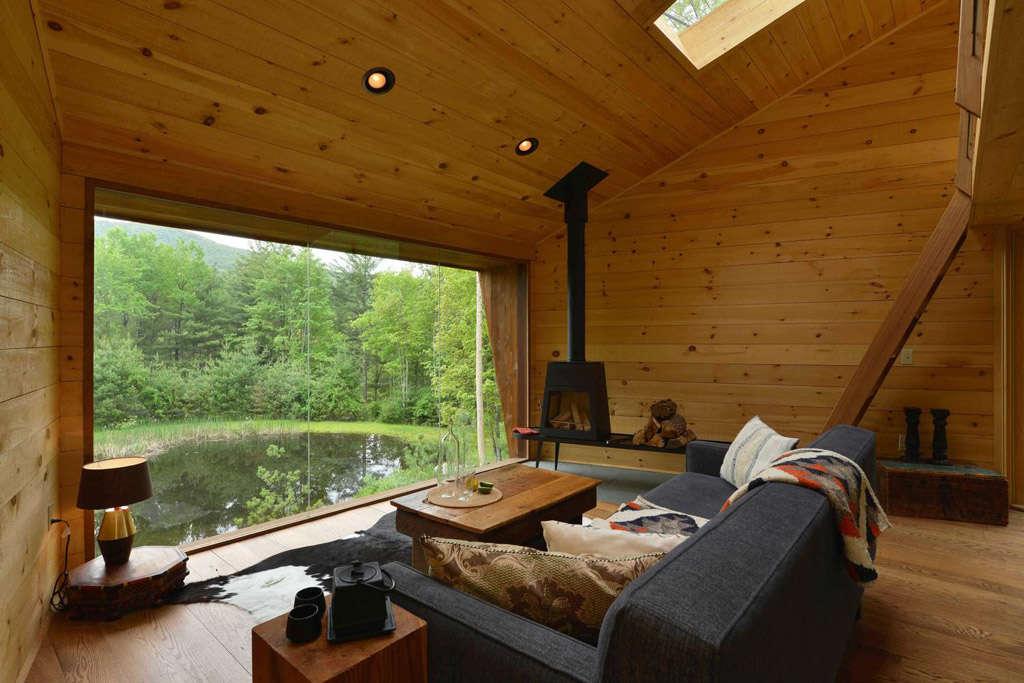 Caba as de madera con muuucho encanto nomadbubbles - Casas de madera por dentro ...