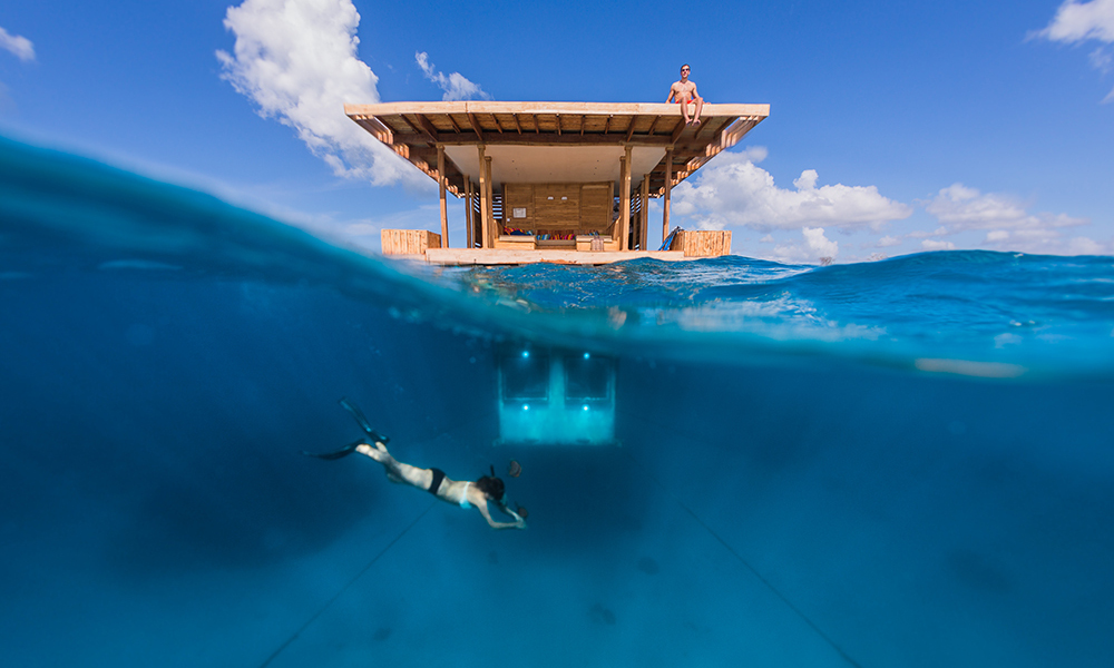 underwater-manta-resort