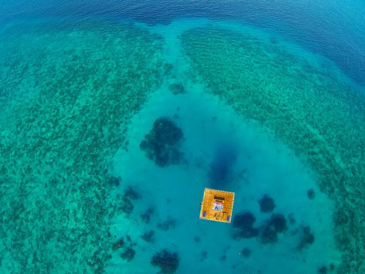underwater-manta-resort