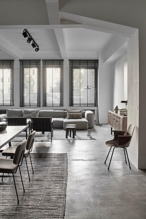 muebles modernos en la decoración de un salón