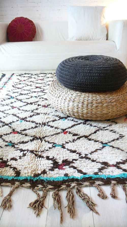 Decoración con una alfombra marroquí de la region de Azilal