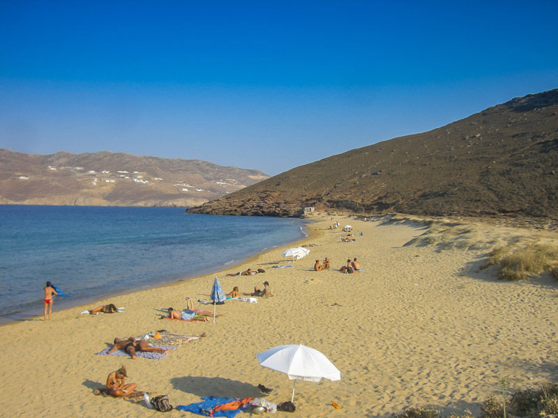 Las plyas de Mykonos son de fina arena dorada