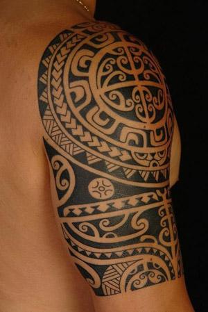 Tatuaje tribal de la Polinesia