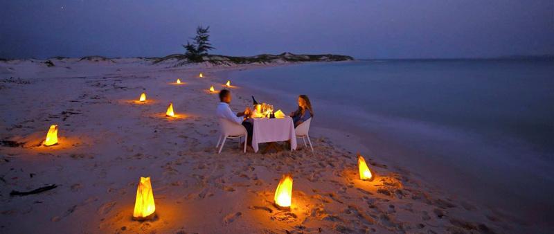 lujo en la playa de benguerra, en mozambique