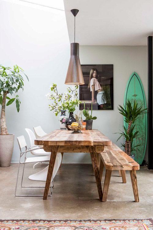Las lámparas de madera, mejor colocadas encima de una mesa