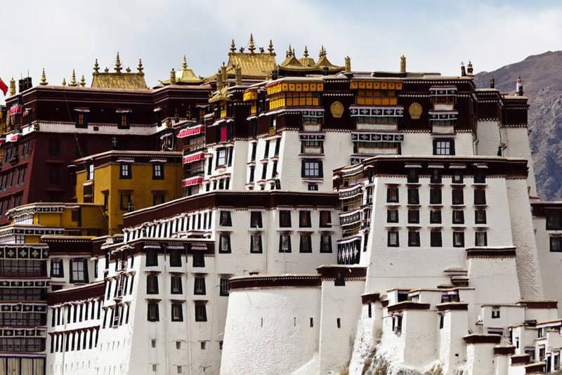 El palacio blanco en Lhasa