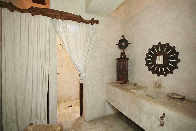 Baño con revestimiento de tadelakt