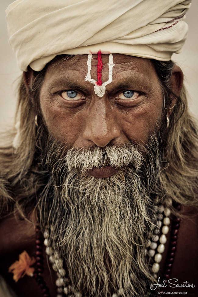 Sadhu, Varanasi, India. Joel Santos.
