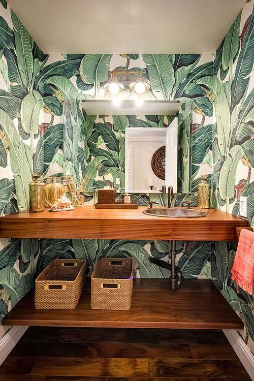 Papel pintado tropical para el baño