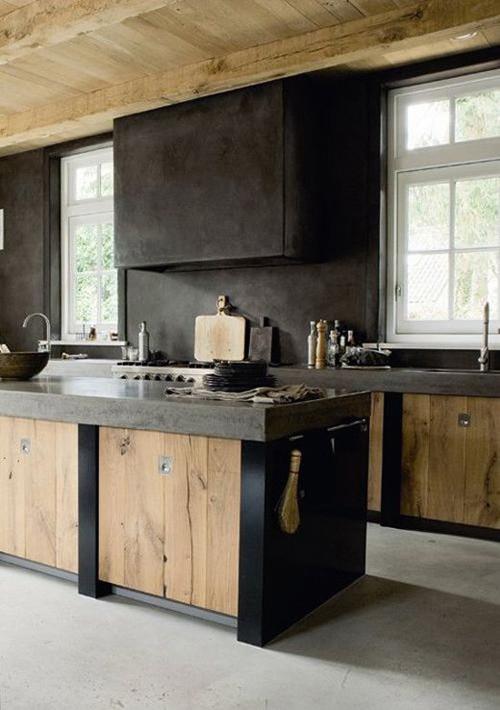 madera y negro en el diseño de cocinas