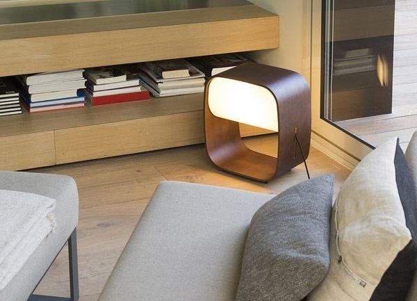 Lámpara de madera de diseño vintage