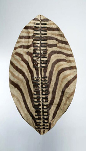 Decorar con escudos en un estilo africano
