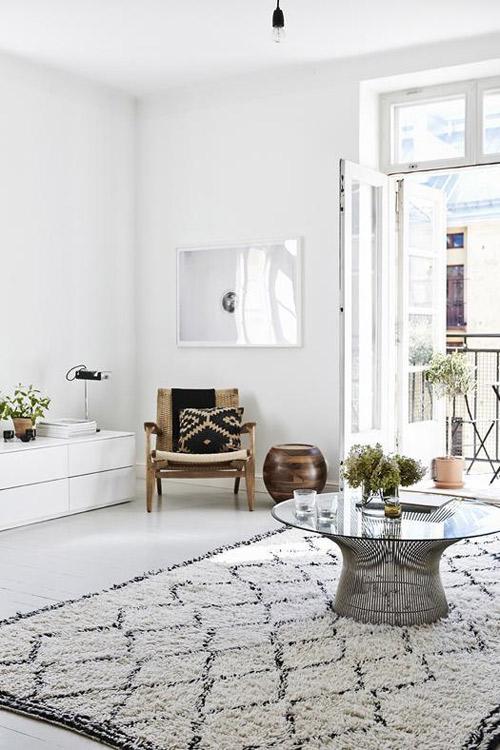 interior con alfombra de lana echa a mano de marruecos