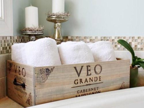 Caja de madera para guardar las toallass