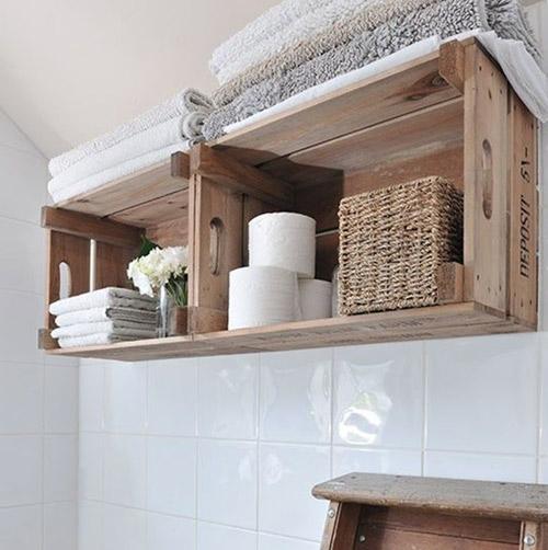 Cajas de madera para organizar el baño