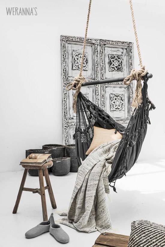 Sillas colgantes de tela en la decoración nórdica