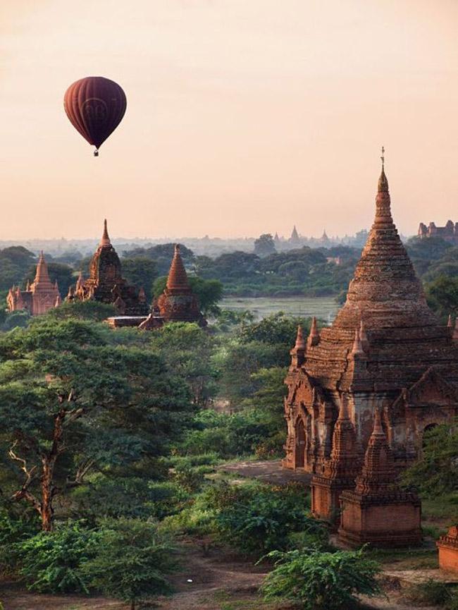 Pagodas en Badan, Myanmar