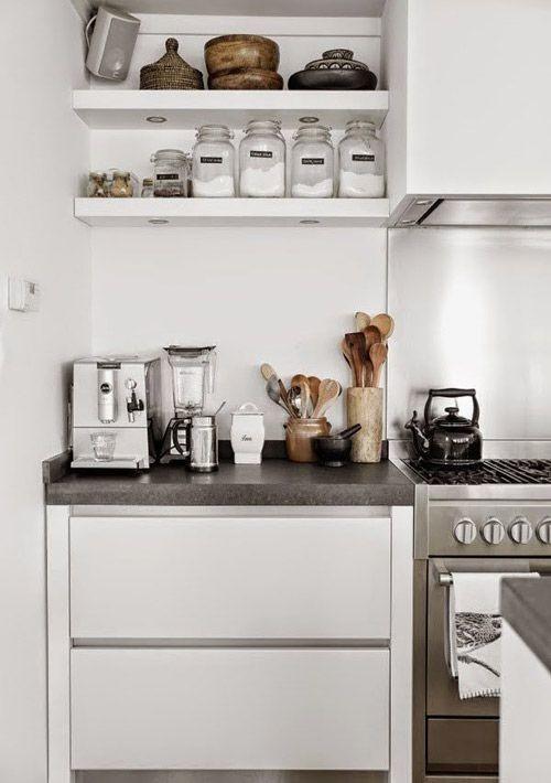 muebles de cocina y estantes vistos