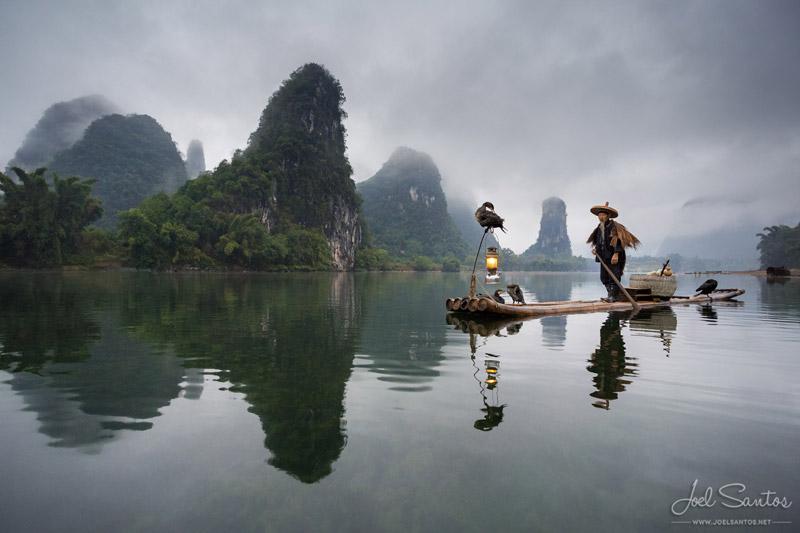 Pescador de cormoranes, Yangshuo, China. Fotografía de Joel Santos.