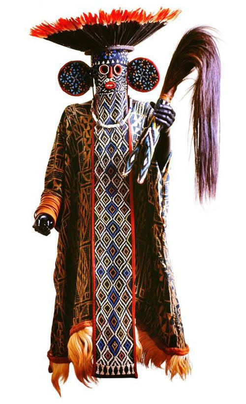Juju Hat con máscara de elefante