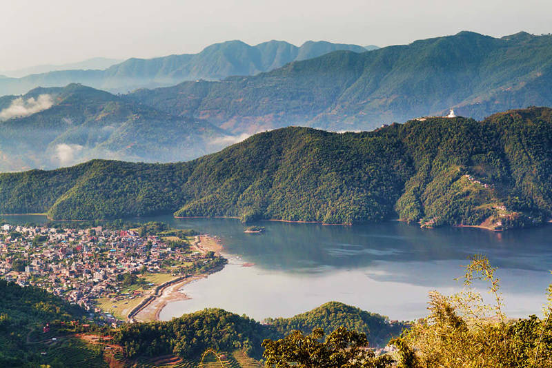 Vistas de Pokhara y el Phewa Lake