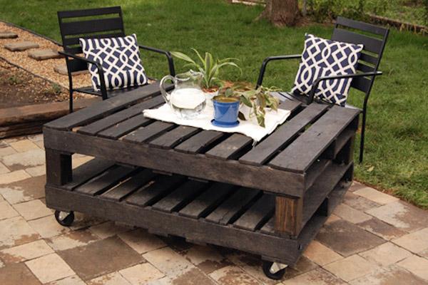 Mesa hecha con palets para la terraza