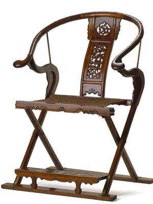 folding-horseshoe-armchair-reproduction