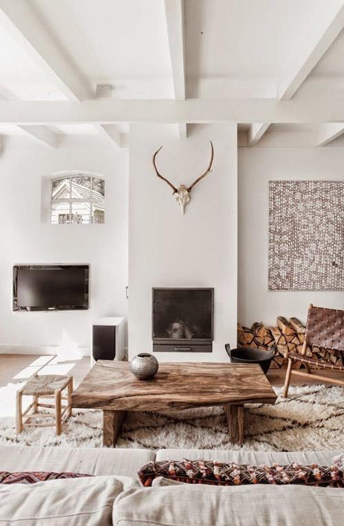Alfombras blancas de pelo largo en la decoración del hogar