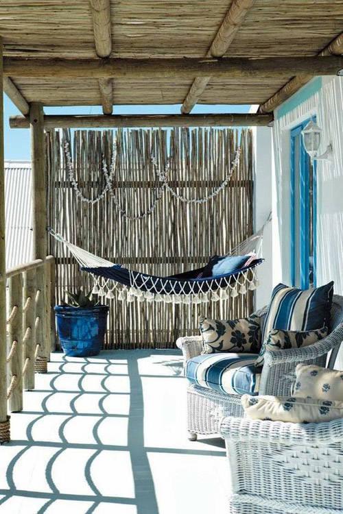 Hamacas colgantes en la decoración de terrazas cubiertas