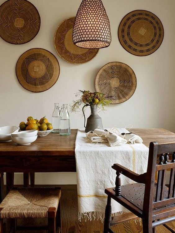 interior decorado con cestas makenge africanas