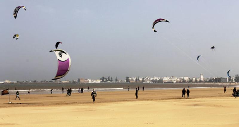 Kitesurfing en las playas de Essaouira en Marruecos
