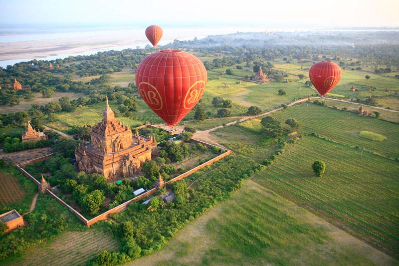 Badan en Myanmar en globo