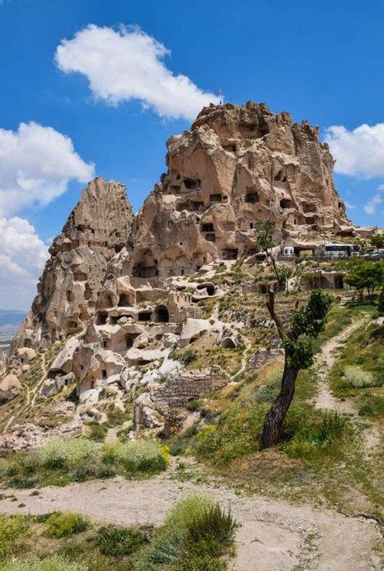 Cuevas artificiales escavadas en las rocas de la región de Capadocia