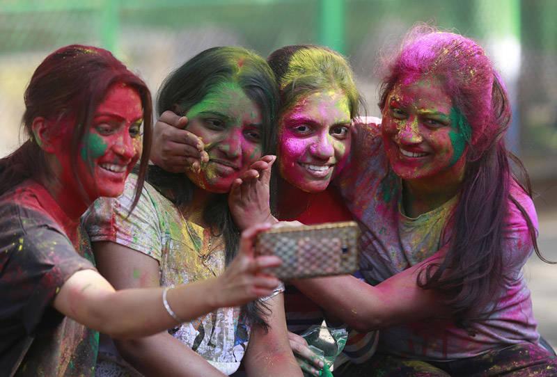 Colores en el Holi Festival en la India