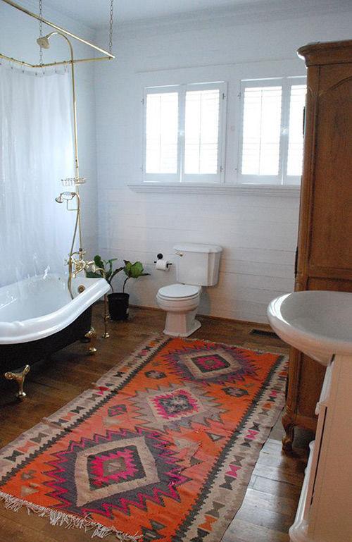 Alfombras y kilims en la decoración del baño