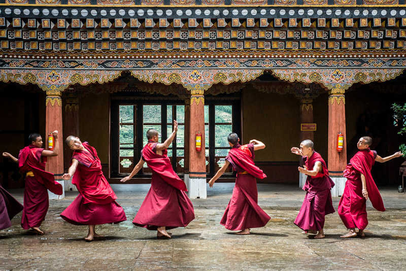 Monjes en el Reino de Bután