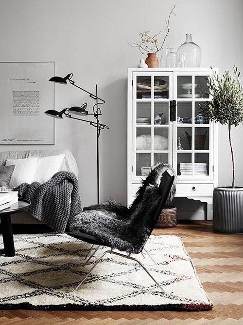Interiores decorados con alfombras de lana bereberes beni ouarin