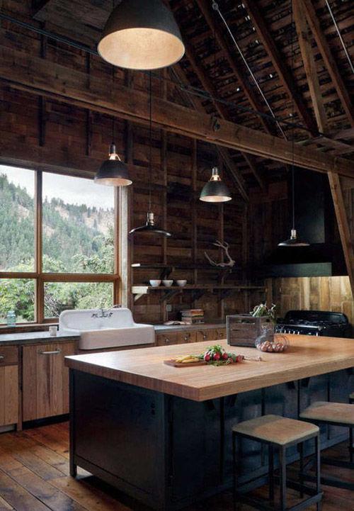madera y cocinas negras