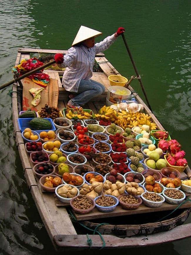 Mercado flotante de Damnoen Saduk en Tailandia
