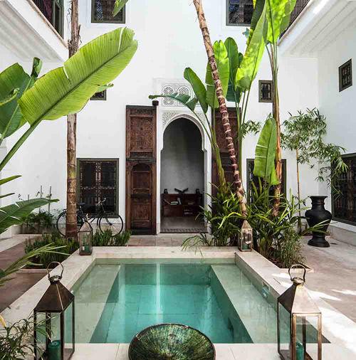 Patio interior de un riad en Marrakech