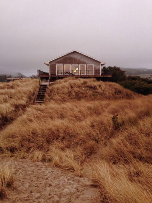 Cabaña de madera en la playa