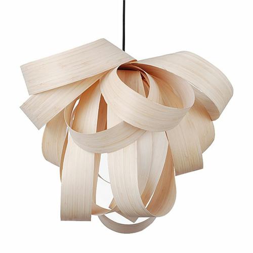 Lampara fabricada con laminas de madera