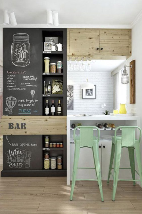 Decorar la cocina con pared de pizarra