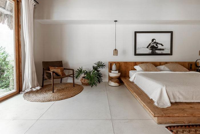 cómo decorar un dormitorio con sillones y butacas