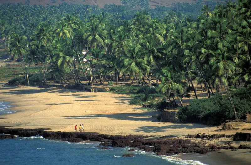 Playa de Anjuna en Goa, conocida por sus fiestas trance