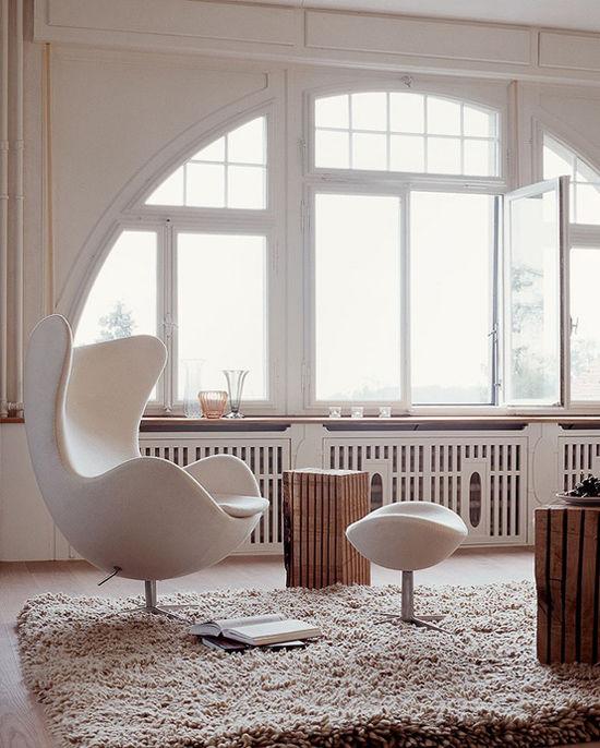 La silla Egg de Arne Jacobsen en la decoración