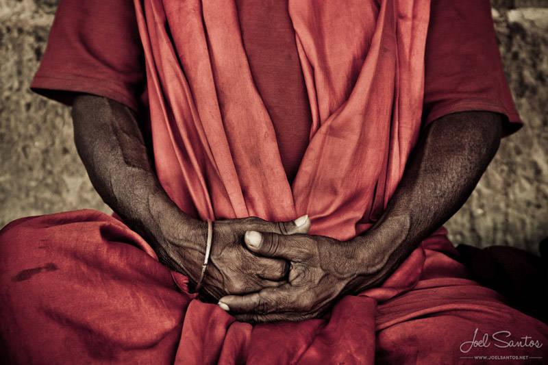 Manos de un sadhu, Varanasi, India.