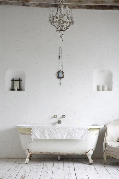 Bañera de hierro forjado con patas