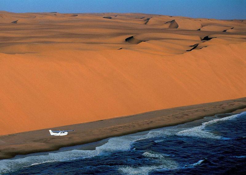 Desierto de Namibia en el mar