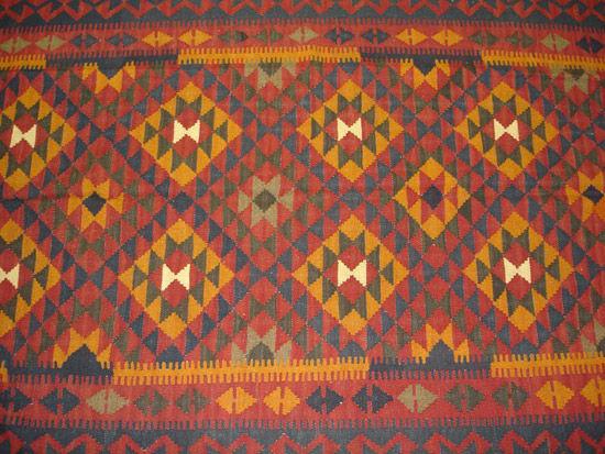Kilims las alfombras m s antiguas del mundo nomadbubbles - Alfombras dibujos geometricos ...